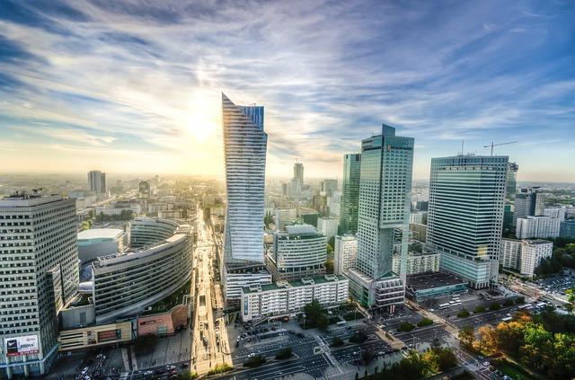 Hostessy w Warszawie – jakie wymagania, zarobki, co trzeba wiedzieć, kiedy starasz się o pracę hostessy?