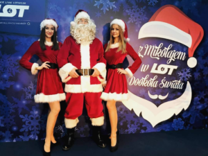 dziewczyny mikołajki z Mikołajem